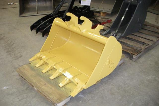 Where to find BUCKETS FOR JD MINI 27   35 in Wichita